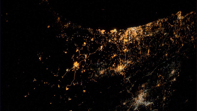 gaza-photo-space-astronaut.si