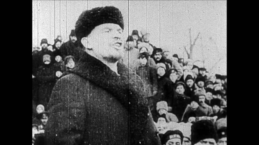 179082600-russian-civil-war-october-revolution-vladimir-lenin-russian-revolution.jpg